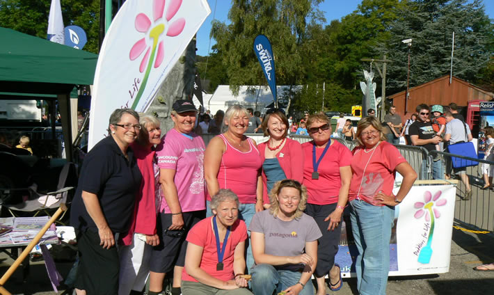 Paddlers for Life members with Sheila and Margaret (extreme and second left) from Abreast in a Boat Vancouver