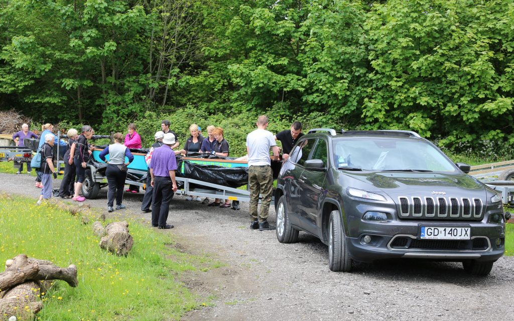 Our new dragon boat arrives after its overland journey from Poland.