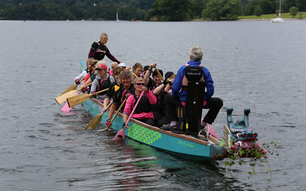 Our latest new dragon boat had her first outing.