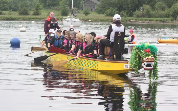 A mixed team of paddlers from Worcester Busters and Paddler for Life in Manchester paddle the Solstice Race.