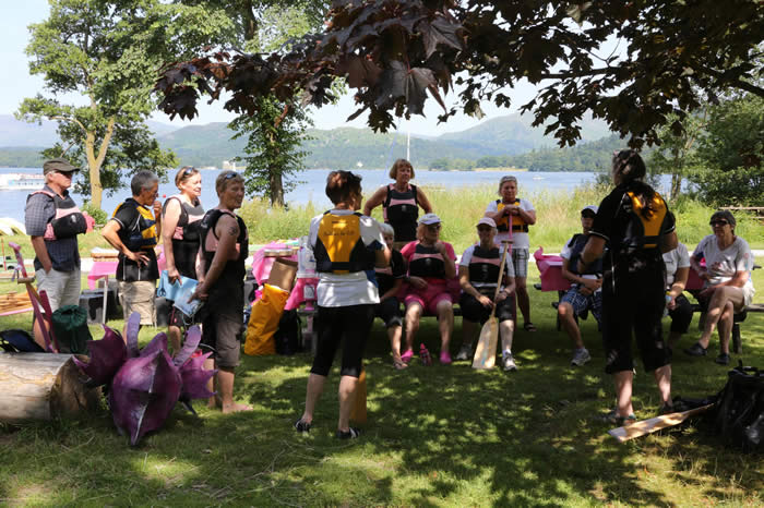 There was a wonderful turnout of paddlers ready to share their love of dragon boating with some novice paddlers in taster sessions.