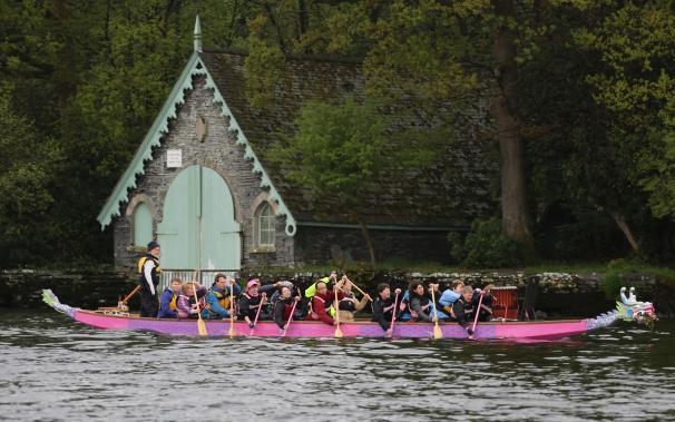 Lancaster University Confucious Society train for a Preston Dock dragon boat event.