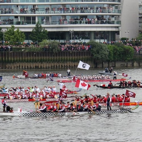 The Thames is crowded and crews and helms need to be responsive and strong to manoeuvre in these tidal conditions.
